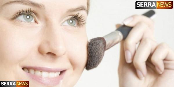 Truques de maquiagem com pó bronzeador