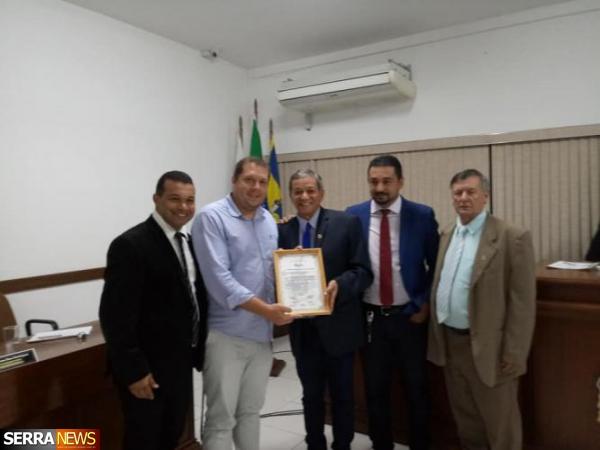 DIRETOR DO HOSPITAL MUNICIPAL LUIZ GONZAGA, EDUARDO RALHA,  É HOMENAGEADO EM PATY DO ALFERES