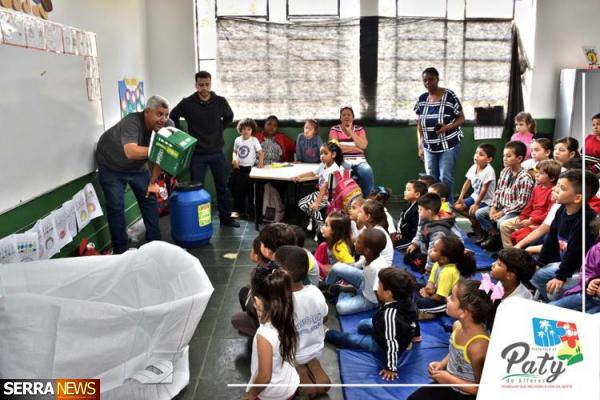 PROJETO PREFEITURA PRESENTE, DE PATY DO ALFERES, CONTA COM EDUCAÇÃO AMBIENTAL