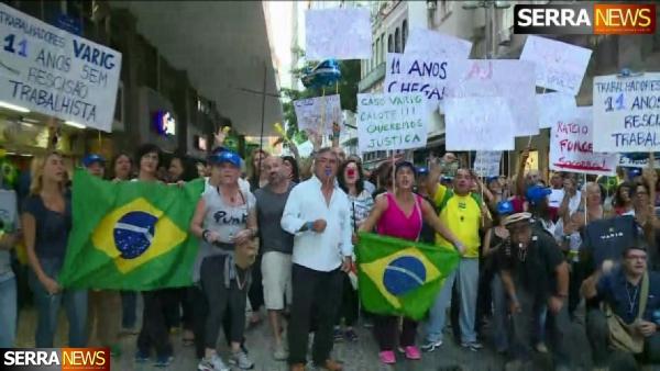 Ex-funcionários da Varig cobram indenização da empresa no Rio