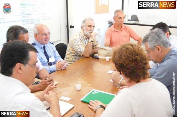 Comissão de usuários da Viação Útil se reúne com a empresa na sede da SMTUS