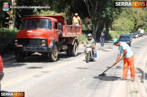 Operação tapa-buraco beneficia motoristas usuários da RJ 125 no trecho Portela - Centro